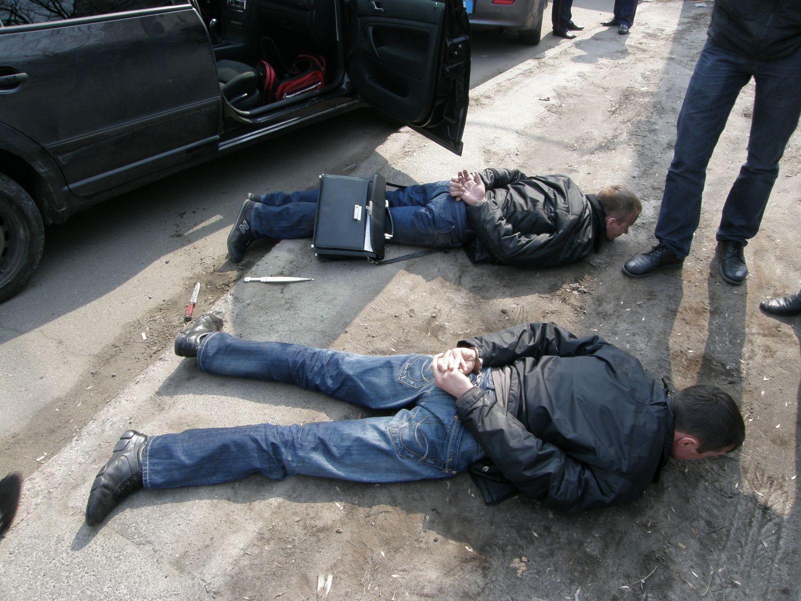В Карачаевском районе задержаны двое жителей республики за незаконное лишение свободы
