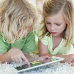 Девайсы и гаджеты лишают детей возможности понимать других людей