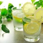 Проснулся - выпей воды с лимоном