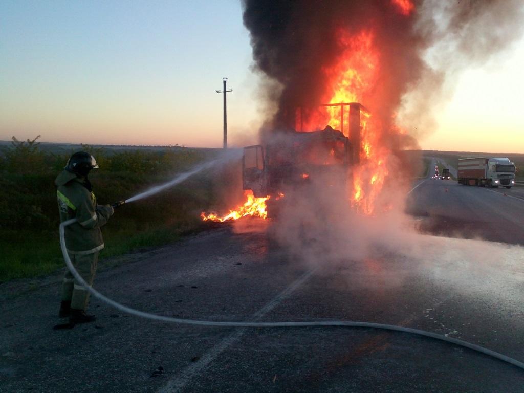 пожар ДТП на 874 км трассы М4 ДОН в Ростовской области 21.05.2015