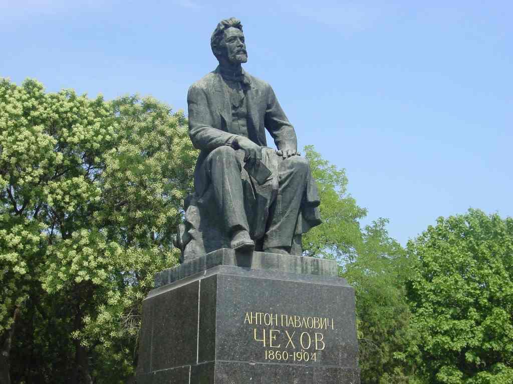 Памятник с семейный Таганрог Лампадка из покостовского гранита Сафоново