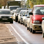 ВС РФ разрешил не уступать дорогу движущимся по обочине машинам