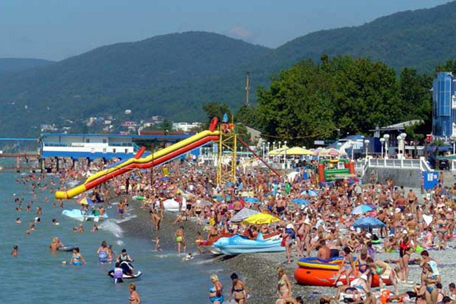 Больше отдыхающих чем в прошлом году курорты российского черноморского побережья принять просто физически не смогут