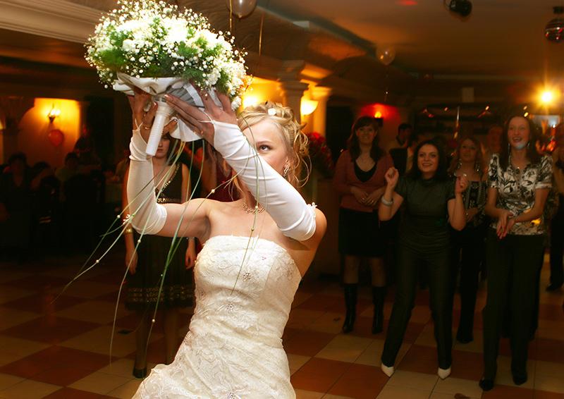 Описание где ловить свадебный букет, комнатные цветы