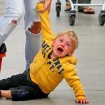 Как остановить детскую истерику, или 6 ошибок родителей