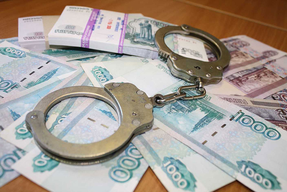 Наначальника отдела ГИБДД Морозовского района завели дело завзятку