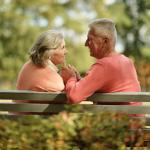Секс в пожилом возрасте оказался опасным для мужчин, выяснили ученые