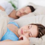 Долгий сон в выходные дает ощущение усталости, а не отдыха