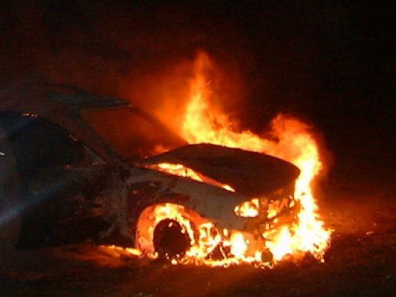 Под Ростовом вавтомобиле живьем сгорел шофёр