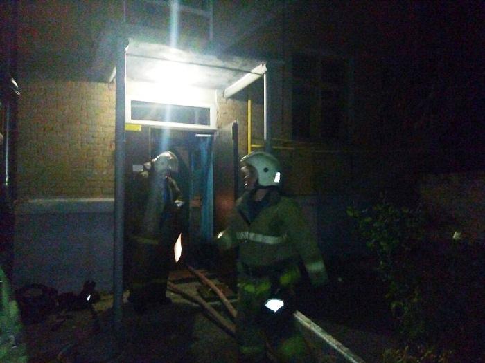 ВРостове напереулке Рыбный сгорела квартира напервом этаже