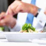 Шесть ошибок, которые мы делаем за обедом