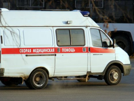ВТаганроге маршрутка спассажирами врезалась вдерево