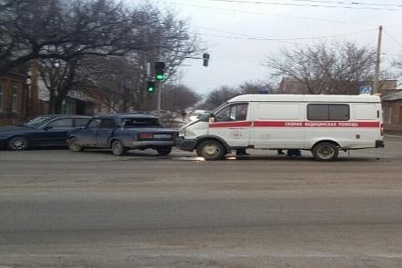 НаБелорусской ВАЗ столкнулся соскорой, перевозившей пациентку