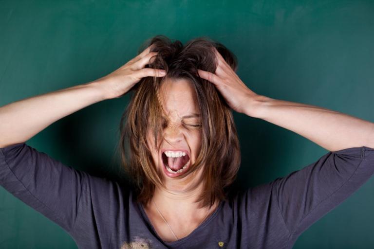 Ученые выяснили истинную причину перепадов настроения у женщин