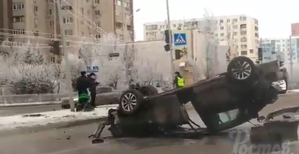 ВРостове иностранная машина сбила мать с сыном