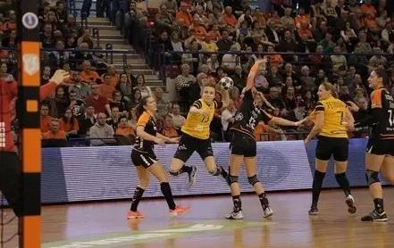 Гандболистки клуба «Ростов-Дон» обыграли «Эрд» вматче Кубка EHF