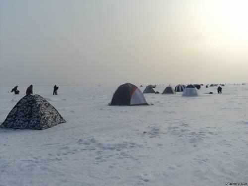 Рыбак едва не умер среди водохранилища вРостовской области
