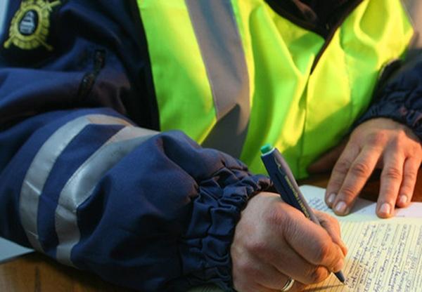 Ростовский ДПС-ник ответит заполумиллионную взятку сдальнобойщика