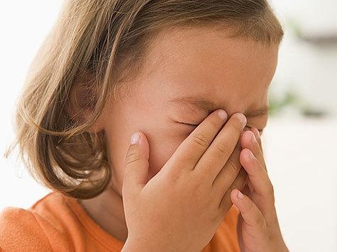 Пятилетнюю девочку, пропавшую впроцессе прогулки ссестрой, отыскали вКаменске