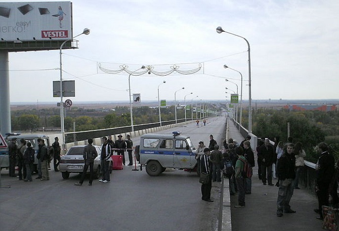 ВРостове нетрезвый девятнадцатилетний парень спрыгнул с35-метрового моста