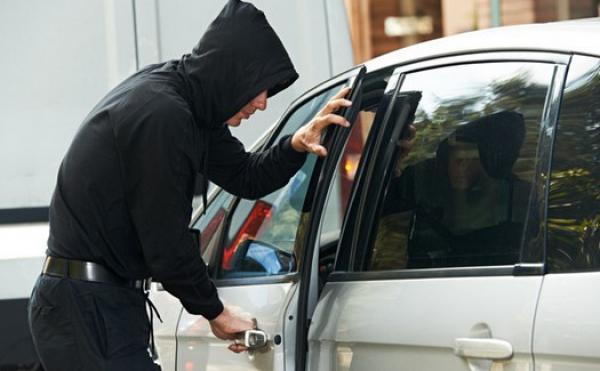 ВРостовской области обезвредили банду угонщиков элитных авто