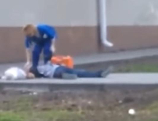 ВРостове около школы №92 вЗЖМ лежал мертвый мужчина сружьем