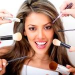 Ученые рассказали об опасности косметики для здоровья молодых женщин