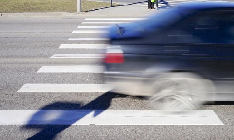 ВРостове старый шофёр успел остановить автомобиль дотого, как потерять сознание