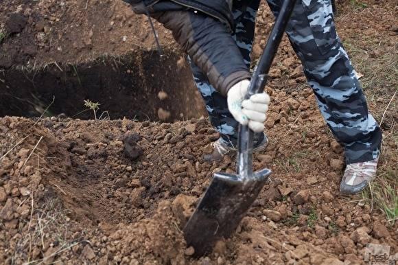 Жителя Неклиновского района избили изаставили рыть себе могилу накладбище