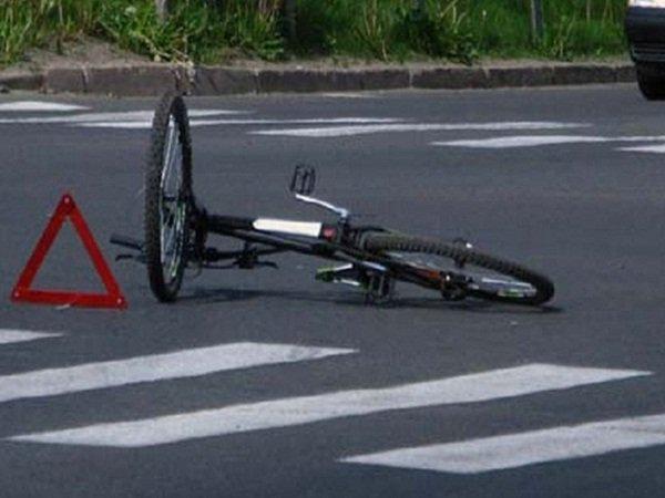 Иностранная машина  сбила школьника навелосипеде вВолгодонске
