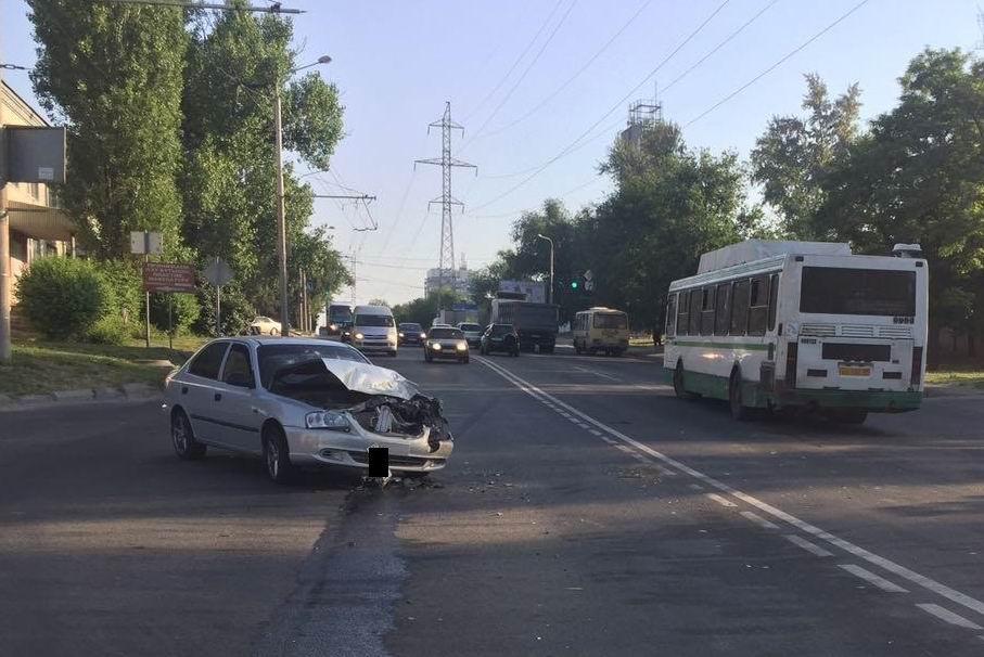 ВРостове нетрезвый шофёр автобуса спровоцировал ДТП