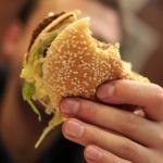 Учёные выяснили, какая еда вызывает болезнь Альцгеймера