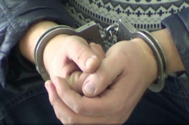 Убийца ростовского таксиста полдня возил клиентов натакси убитого