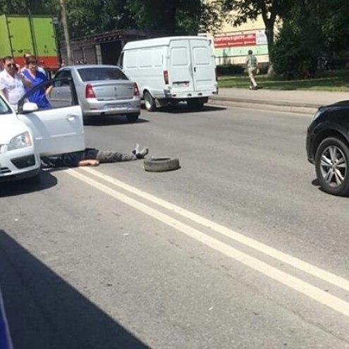 ВРостове впериод движения скончался шофёр «Форда»