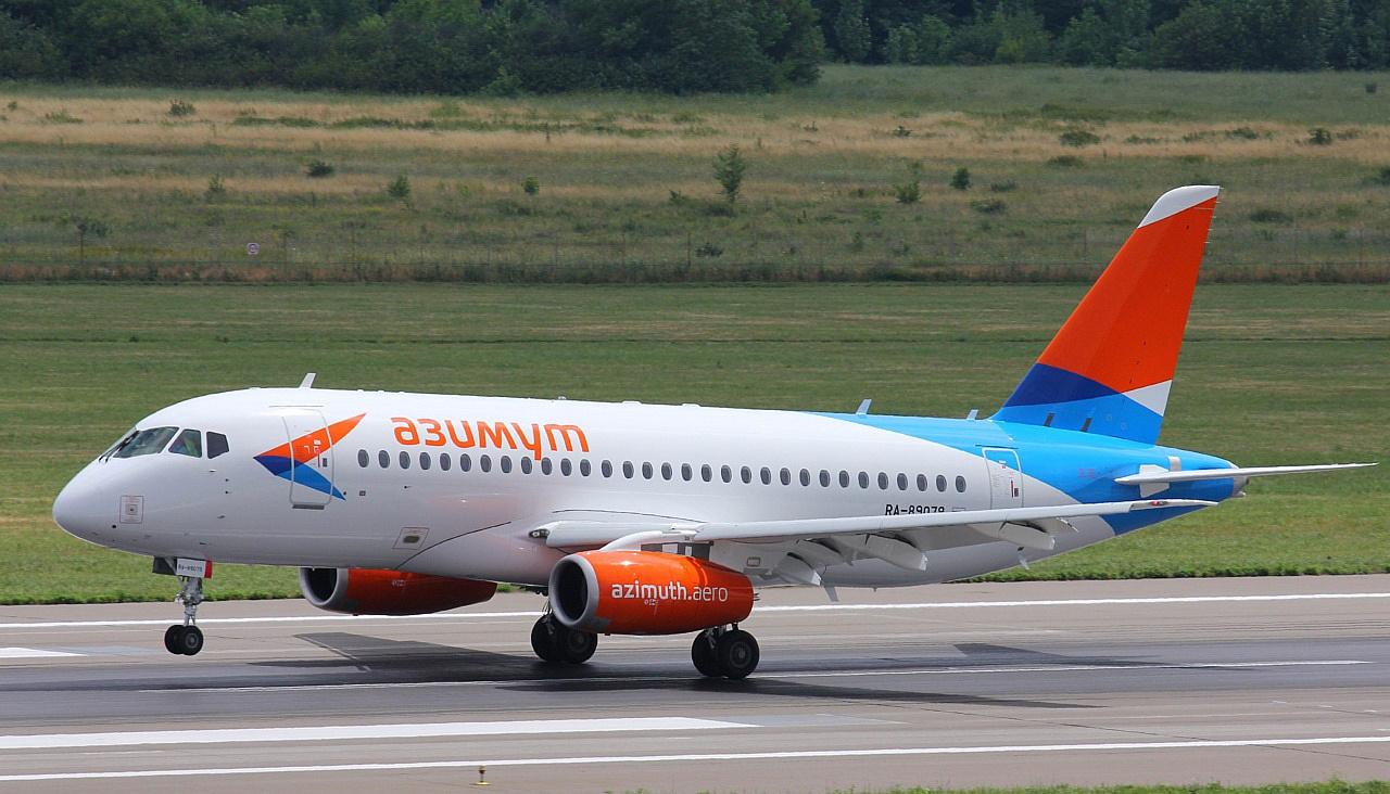 1-ый Sukhoi Superjet «Азимута» прибыл вРостов