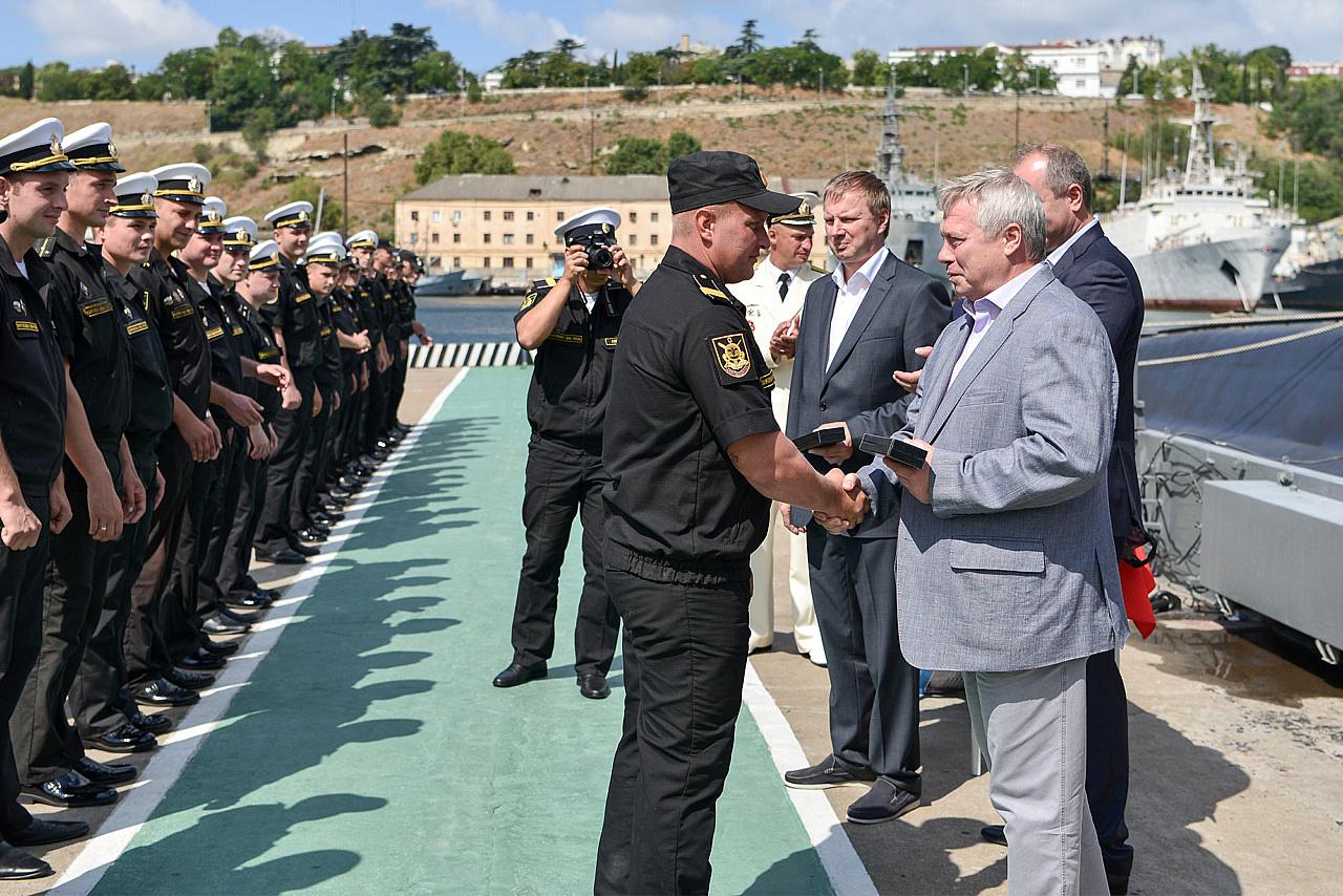 анилингус поздравления морякам черноморцам помощью удается создать