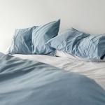 Как часто нужно стирать шторы и постельное бельё?