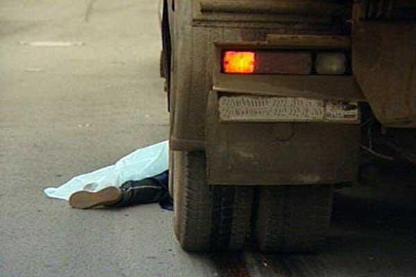 Натрассе Ростов— Таганрог грузовой автомобиль насмерть сбил пешехода