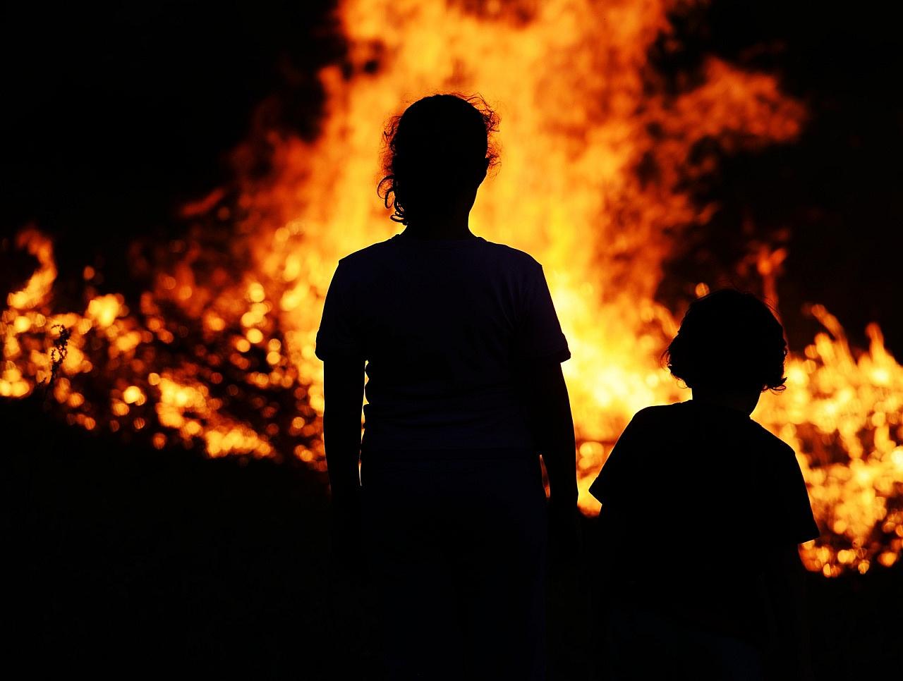 Фото ребенка в пожаре
