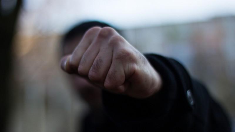 18-летний преступник напал напожилого мужчину