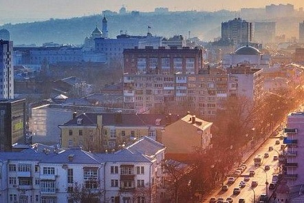 Практически намесяц ограничат движение вцентре Ростова