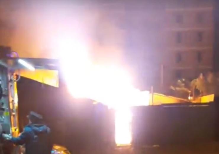 Двое человек погибли вовремя пожара в личном доме