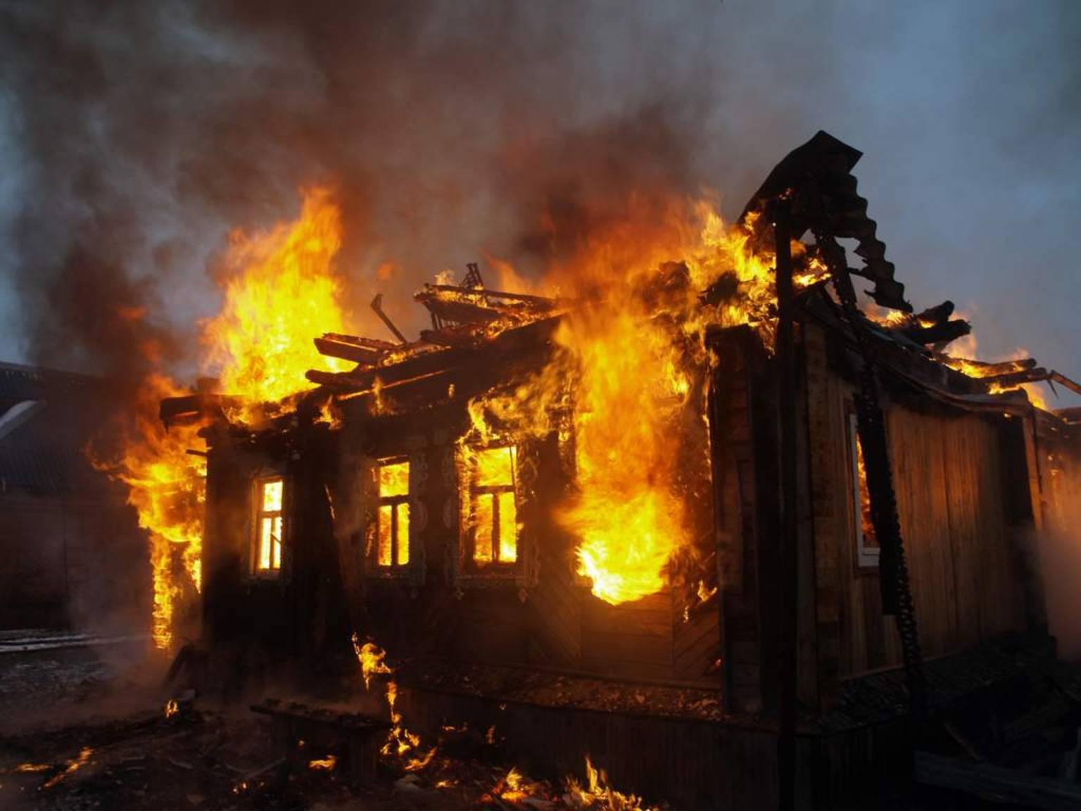 ВРостовской области впожаре погибли двое детей и30-летний мужчина