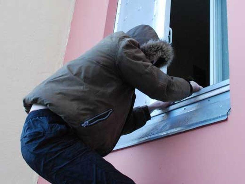 Пососедски ограбивший пенсионерку злоумышленник схвачен вРостовской области