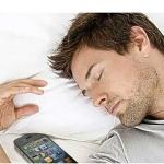 Ученые: Смартфон рядом со спящим человеком может привести к раку