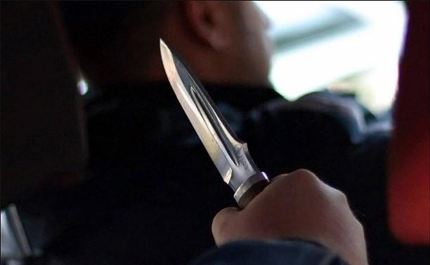 Приставив кгорлу жертвы нож, бывалый мошенник обогатился вРостовской области