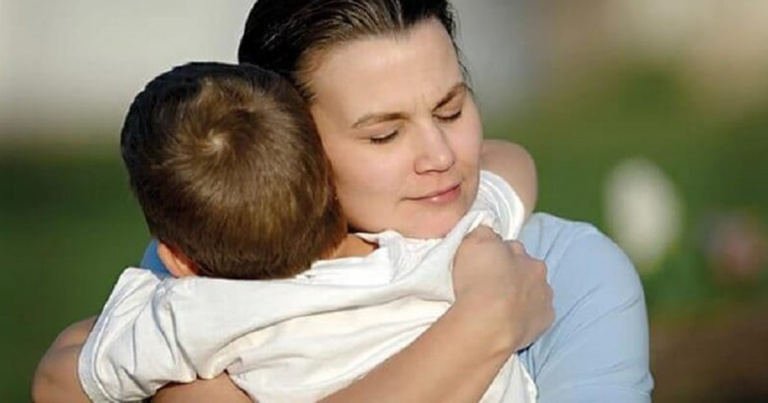 Жалость к ребёнку – благо или зло?