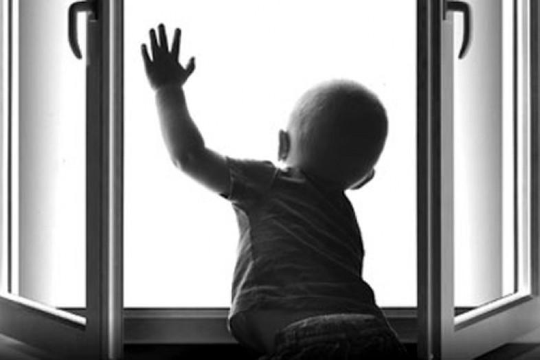 Выпал изокна и умер трёхлетний ребенок вРостове