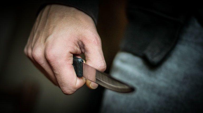 Наростовской ул.Еременко мужчина пытался зарезать знакомую