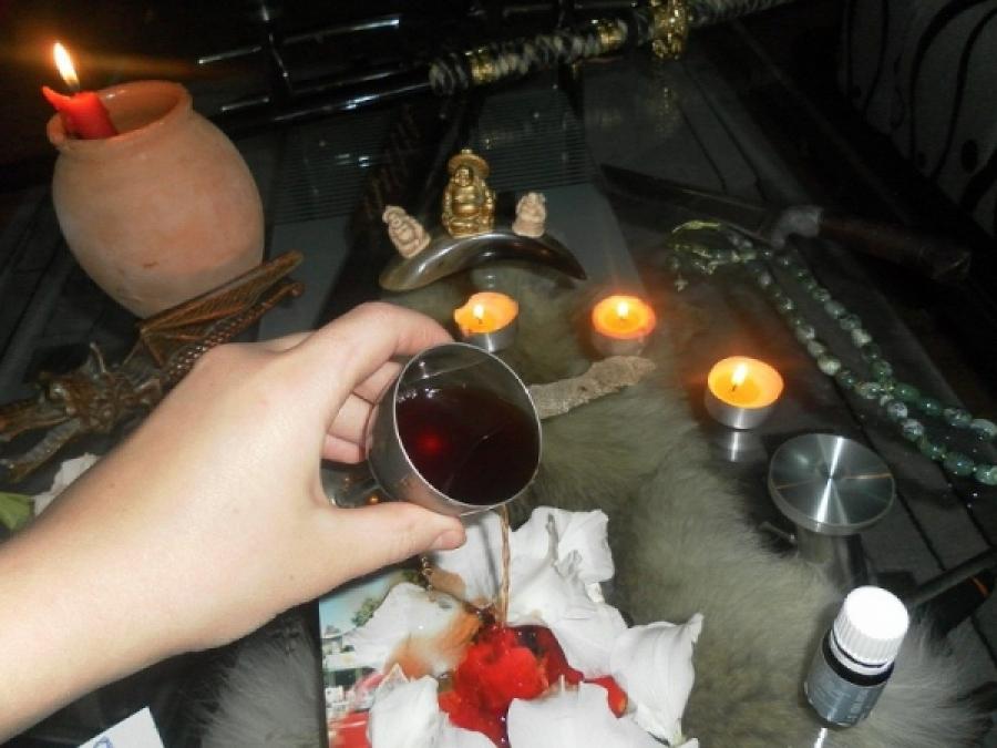 маркировкой чистка человека по фото вода со свечой девушки
